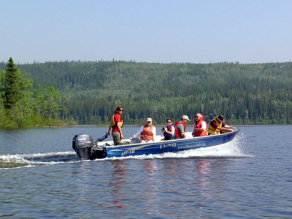 erdrot-travel, Frances Lake im Yukon - Bootstour