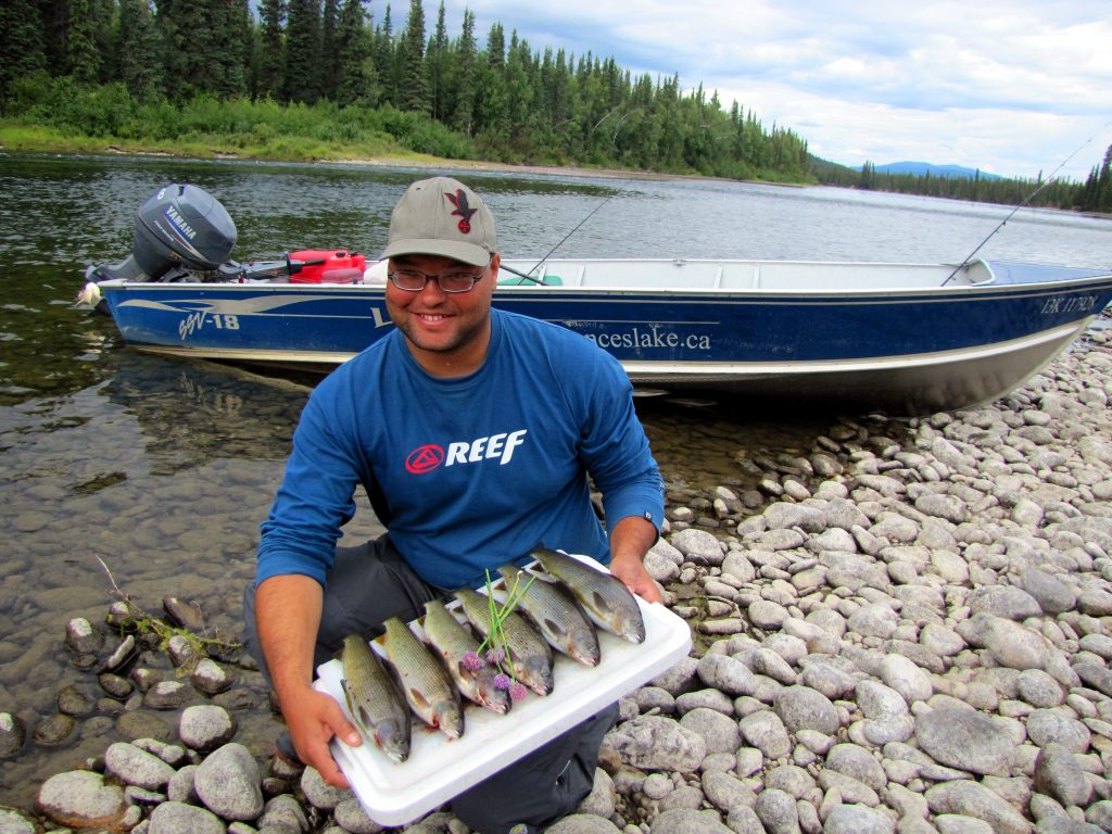 erdrot-travel, Yukon, Frances Lake Wilderness Lodge - Angelabenteuer